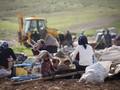 FOTO : Ratapan Warga Desa Badui Palestina yang Digusur Israel