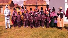 VIDEO: Siswa Bolivia Gunakan APD Belajar Tatap Muka