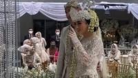 <p>Kabar pernikahan keduanya diketahui dari postingan beberapa keluarga, sehabat, serta rekan kerja, Bunda. (Foto: Instagram @aliyahabsyi)</p>