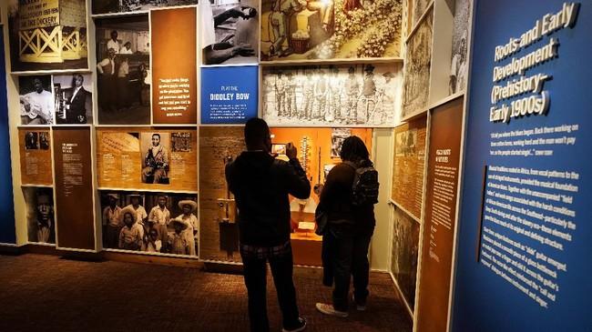 Setelah dua dekade proses pembangunan, museum yang mengaitkan kisah-kisah sejarah para musisi kulit hitam dari lensa sejarah Amerika Serikat akhirnya dibuka.