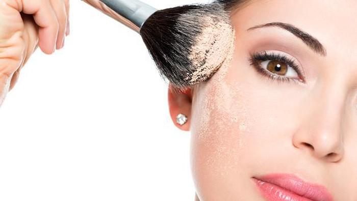 Punya Kulit Acne Prone yang Mengganggu? Ikuti Tips Makeup Mudah Ini!