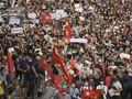 FOTO: Protes Kudeta Myanmar, Ribuan Orang Turun ke Jalan
