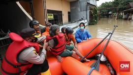 FOTO: Banjir Luapan Sungai di Pondok Gede dan Gunungputri