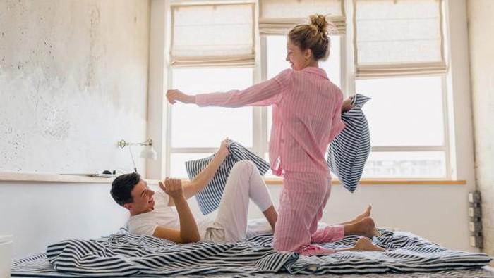 Bukan Berarti Tidak Sayang, Ada Tanda Tidak Romantis Bahwa Pasangan Bisa Menjadi Jodoh Kita