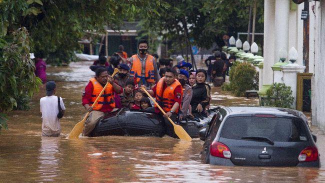 Warga disarankan untuk mengecek lokasi banjir sebelum bepergian lewat peta bencana dari BPBD atau Google.
