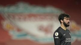 Sundulan Alisson Jaga Peluang Liverpool ke Liga Champions