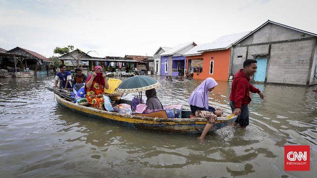 BPBD Kabupaten Bekasi menyatakan 10 kecamatan masih terendam banjir dengan ketinggian 20-100 cm meski sebagian wilayah mulai surut.