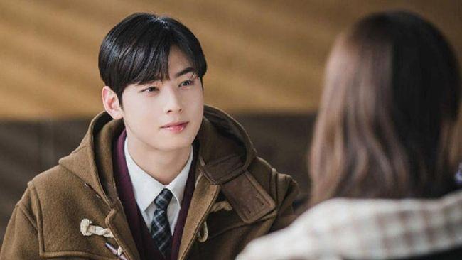 Meski masih muda, aktor drama Korea True Beauty, Cha Eun-woo sudah tidak sabar untuk segera membangun rumah tangga.