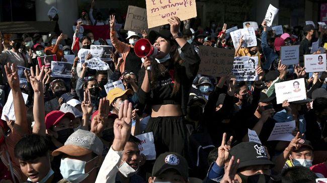 Pelajar hingga dokter di Myanmar berencana menggelar unjuk rasa besar di Pusat Kota Yangon, pada Kamis (25/2) untuk melawan kudeta militer.