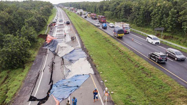 Kemenhub membatasi lalu lintas angkutan barang di Tol Cipali mulai 11 Februari sampai 28 Maret. Itu dilakukan sebagai imbas amblas Tol Cipali  kemarin.
