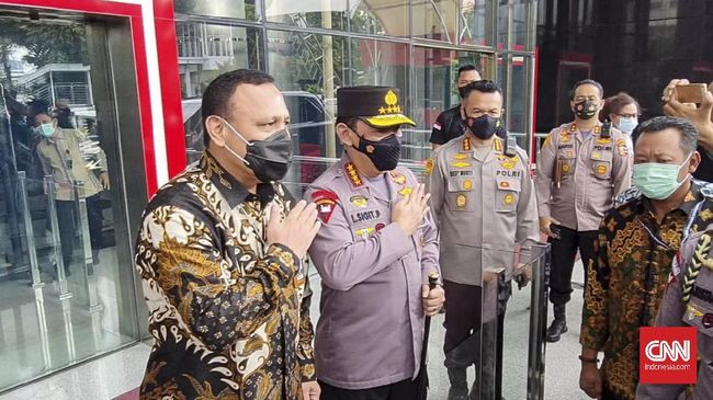 Kapolri mengaku telah mendapat persetujuan ke Presiden Jokowi untuk menarik 56 pegawai KPK yang gagal TWK untuk ditarik jadi ASN Polri.