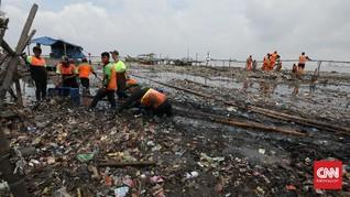 Sampah Plastik dan Styrofoam Cemari Perairan Pulau Pari