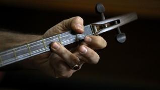 FOTO: Harmoni Persia dalam Petikan Dawai Tanbur dan Setar