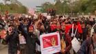 VIDEO: Junta Militer Berkuasa, Rakyat Turun ke Jalan