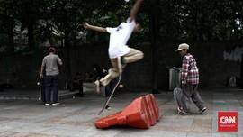 Satpol PP DKI Beber Alasan Bubarkan Skater di Trotoar Thamrin