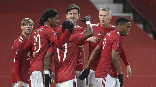 Manchester United akan melawan Real Sociedad di leg kedua babak 32 besar Liga Europa. Berikut prediksi versi dari redaksi olahraga CNNIndonesia.com