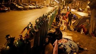 FOTO: Warga Peru Mengantre Berhari-hari Demi Tabung Oksigen