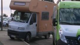 VIDEO: Relawan Sediakan Mobil Van Untuk Penginapan Nakes
