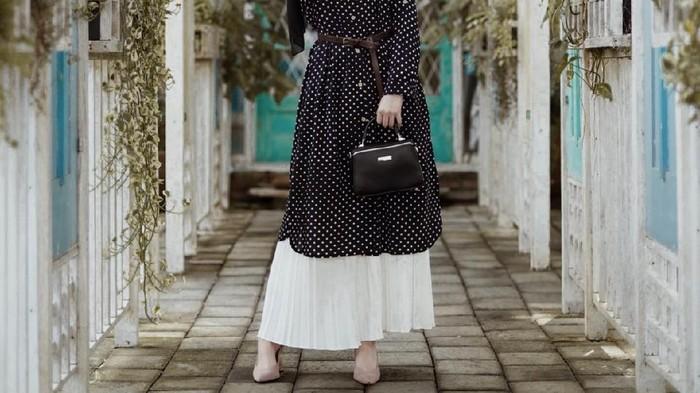 6 Tips OOTD Hijab Tunik dan Rok Plisket, Bisa Buat Berbagai Acara