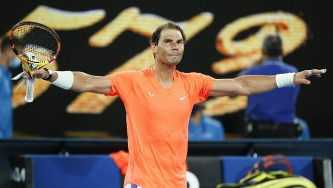 Petenis unggulan Rafael Nadal dan Novak Djokovic sukses melaju ke perempat final Prancis Open 2021.