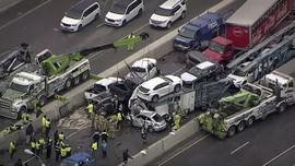 FOTO: Tabrakan Beruntun di Texas Melibatkan 130 Kendaraan