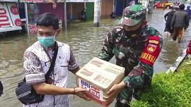 BRI Salurkan Sembako untuk Korban Banjir di Jabar dan Jateng