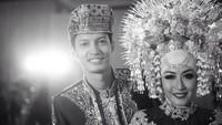 <p>Fedi Nuril dan Calysta Vanny Widyasasti menikah lima tahun lalu, Bunda. Tepatnya pada 17 Januari 2016. (Foto: Instagram @calystavannyws)</p>