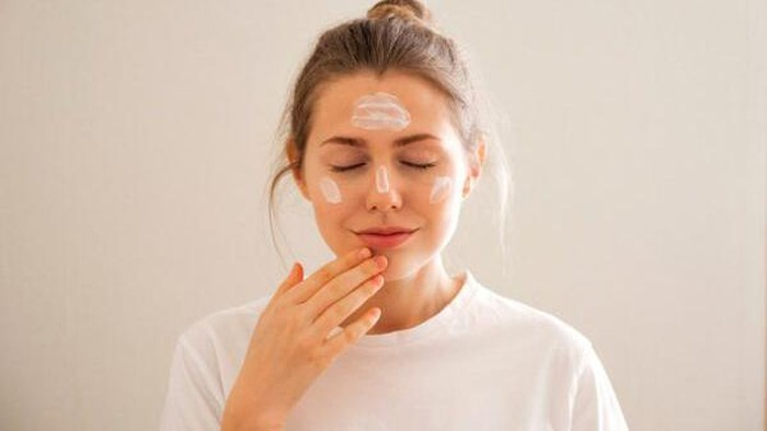 4 Gel Sunscreen Ringan dan Mudah Meresap, Cocok untuk Kulit Berminyak