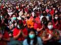 FOTO: Lajang Thailand Panjatkan Doa di Kuil Jelang Valentine