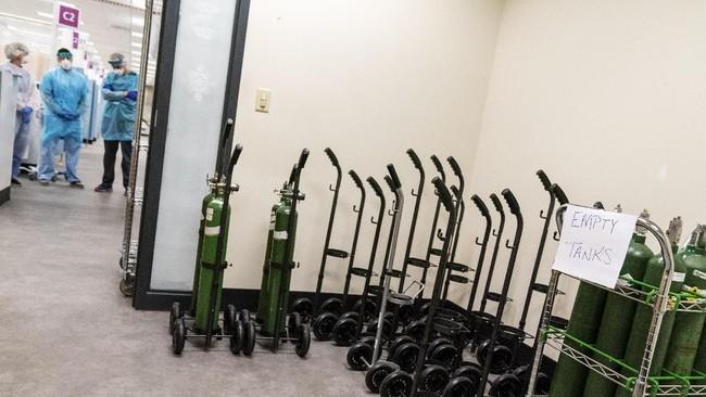 Biaya renovasi yang mencapai US$6 juta mengubah gedung perkantoran dua lantai itu menjadi rumah sakit modern untuk pasien Covid-19 gejala ringan hingga sedang.