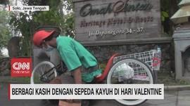 VIDEO: Berbagi Kasih dengan Sepeda Kayuh di Hari Valentine