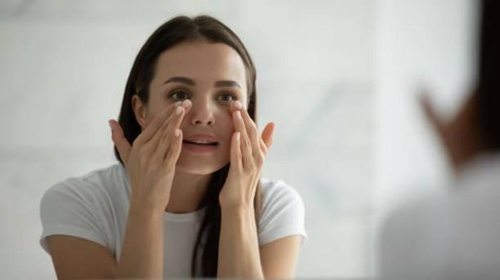 Biar Ampuh, Intip Ingredients yang Wajib Ada Pada Eye Cream Kamu!