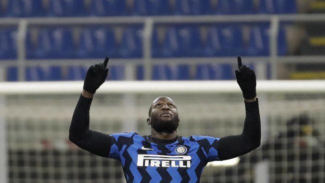 Striker asal Belgia, Romelu Lukaku berjanji akan bertahan di Inter Milan musim depan meski banyak rumor tawaran yang datang.