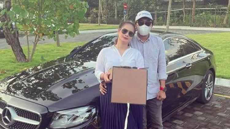 Shyalimar Malik dapat hadiah valentine
