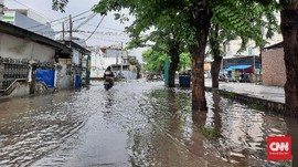 Kutu Air dan Maryamah, Saksi Banjir Kedoya Utara Sejak 1982