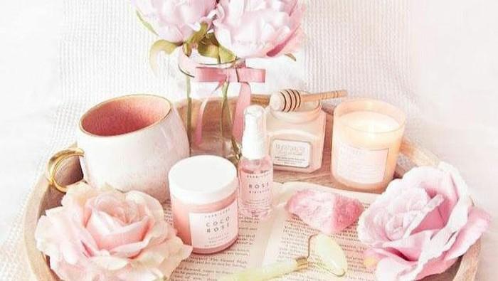 Ciptakan Suasana Romantis, Ini Rekomendasi 10 Produk Body Care Beraroma Bunga Mawar