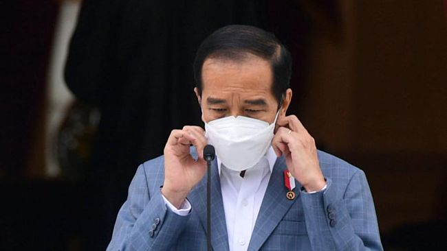 Presiden Joko Widodo mengkhawatirkan pasokan vaksin tidak dapat memenuhi kebutuhan warga sebelum mulai menyuntikkan ke seluruh warga.