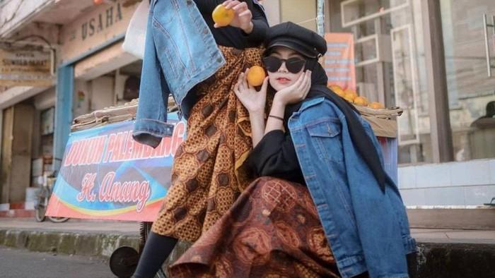 Lagi Hits di TikTok, Ini 5 Kreasi Outfit Hijab dengan Kain Batik yang Simpel dan Trendi