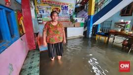Wilayah Sekitar Rumah Pompa Kedoya Jakbar Banjir 30 Cm