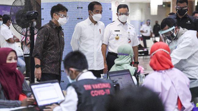 Kasus Covid-19 di Indonesia terus meningkat. Pemerintah pun menambah utang Rp7,18 triliun. Sementara ketersediaan tempat tidur di RS semakin menipis.