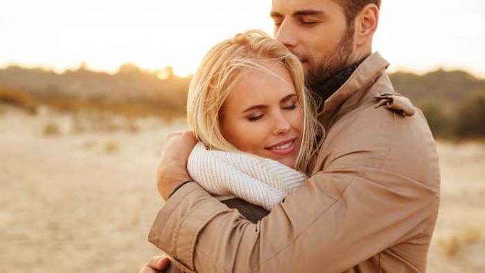 5 Hal Ini Bisa Membuat Pria Makin Cinta Kamu, Apa Saja?