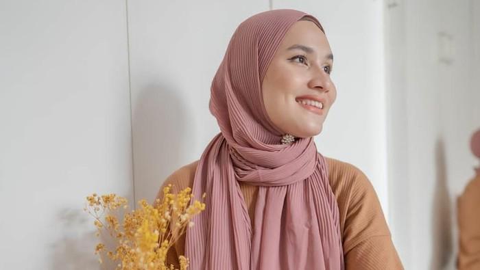 5 Trend Jenis Hijab Pashmina yang Populer di Kalangan Hijab Influencer