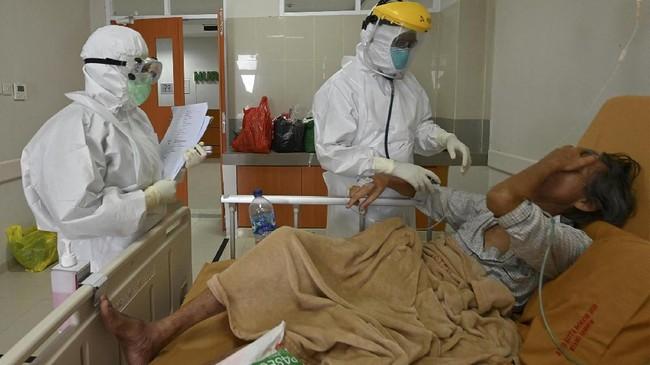 Tenaga kesehatan berdiri di barisan depan dalam menangani pandemi Covid-19. Segala tenaga tercurah, bahkan hingga bertaruh nyawa.