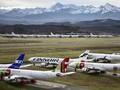 Ratusan Pesawat Terlihat Parkir di Lereng Gunung Es