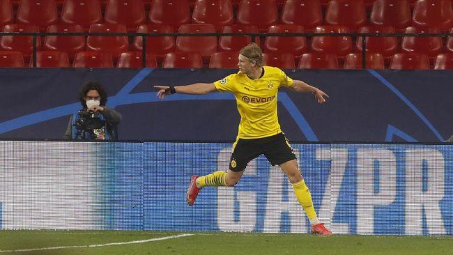 Penyerang Borussia Dortmund, Erling Haaland dinilai bisa jadi penerus Robert Lewandowski di Bayern Munchen.