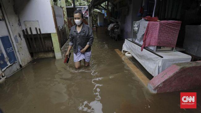 Aplikasi maupun situs pemantau banjir, seperti Situs Pantau Banjir Jakarta tidak mencantumkan jumlah RT terdampak banjir pada hari ini.