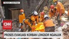 VIDEO: Proses Evakuasi Korban Longsor Nganjuk