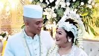 <p>Putri sulung Nia Daniaty, Olivia Nathania, akhirnya resmi dinikahi Rafly Noviyanto Tilaar, pada Jumat (19/2/2021). (Foto: Instagram @oliviadaniaty)</p>