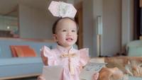 <p>Tak terasa ya, Bunda, Claire Herbowo putri pertama Shandy Aulia sudah berulang tahun yang pertama. (Foto: Instagram @missclaireherbowo)</p>