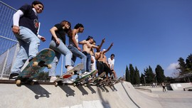 Atap Gedung Kota Tua Yerusalem Disulap Jadi Arena Skateboard